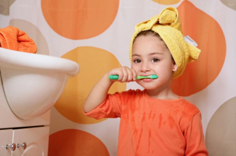 Bουρτσίζω δόντια